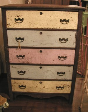 Multi_color_dresser